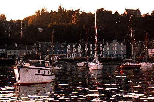 We arrive at Tobermory late in the evening