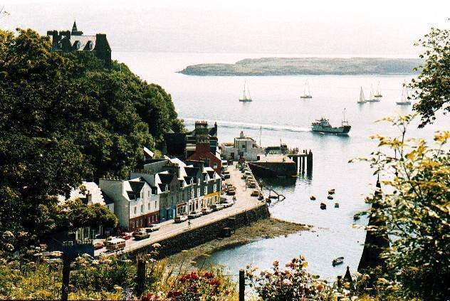 The moorings in front of Tobermory